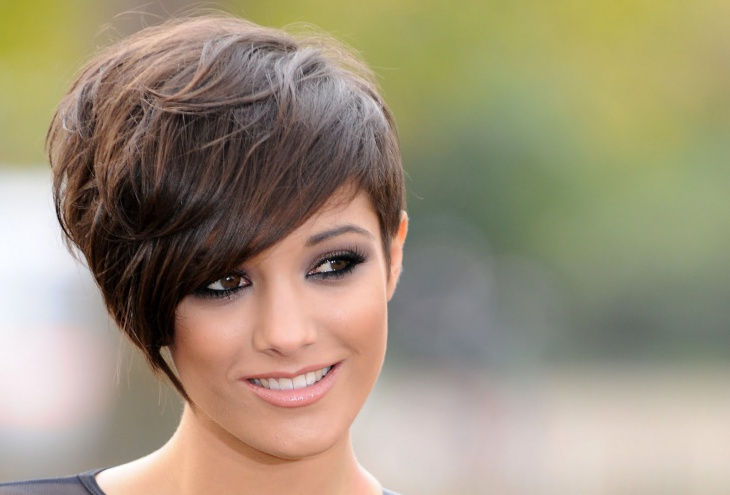 frankie bridge choppy brunette bob