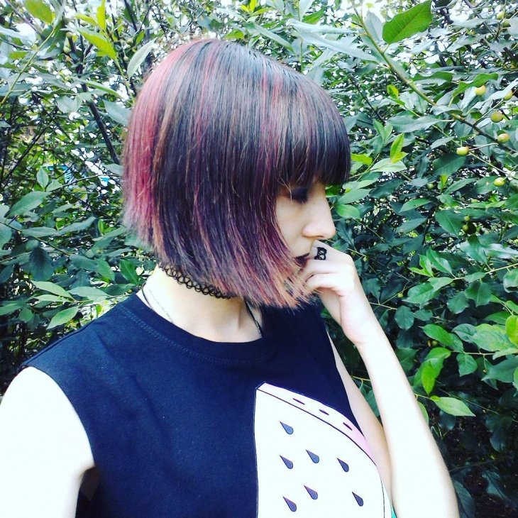 emo style hair with bangs