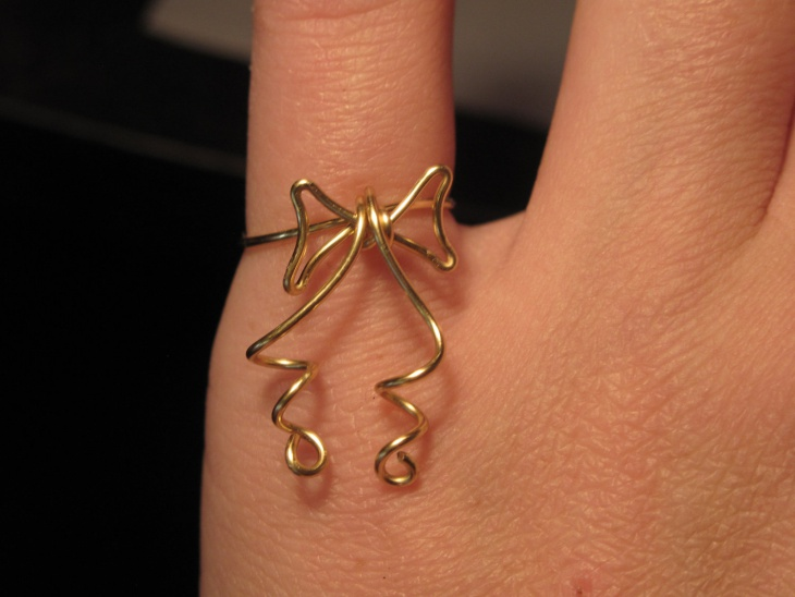 Wire Wrapped Bow Ring Design