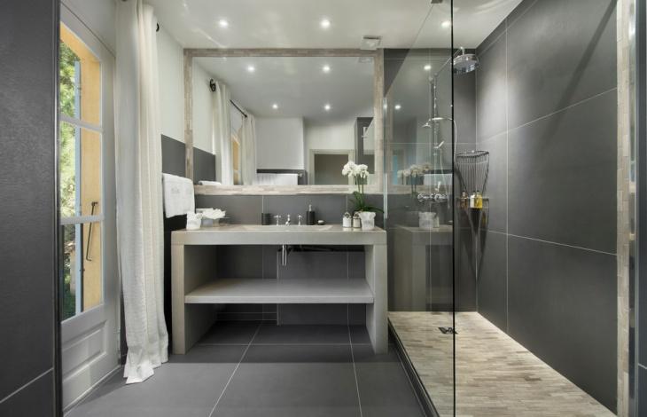 Narrow Shower Design