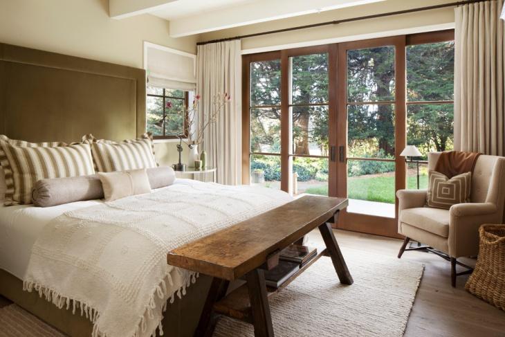 wooden bench bedroom idea