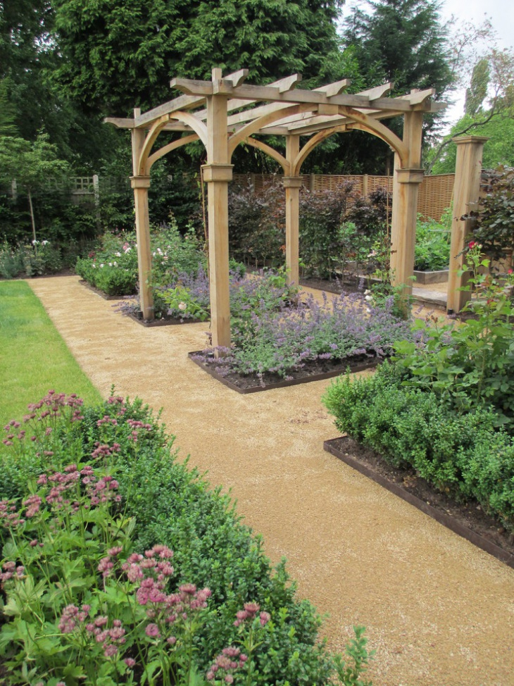 Lovely Rustic Garden Trellis Design