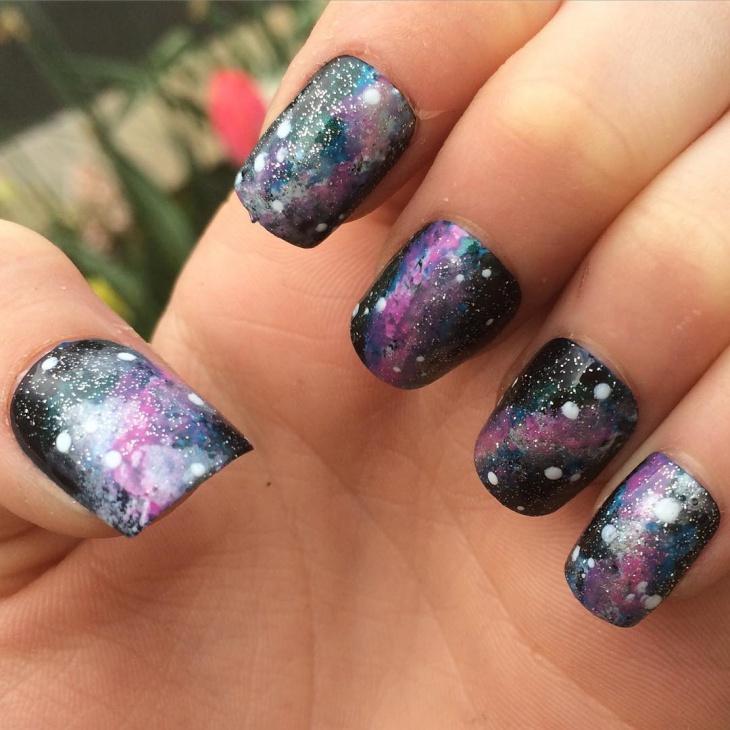 glitter galaxy nail art