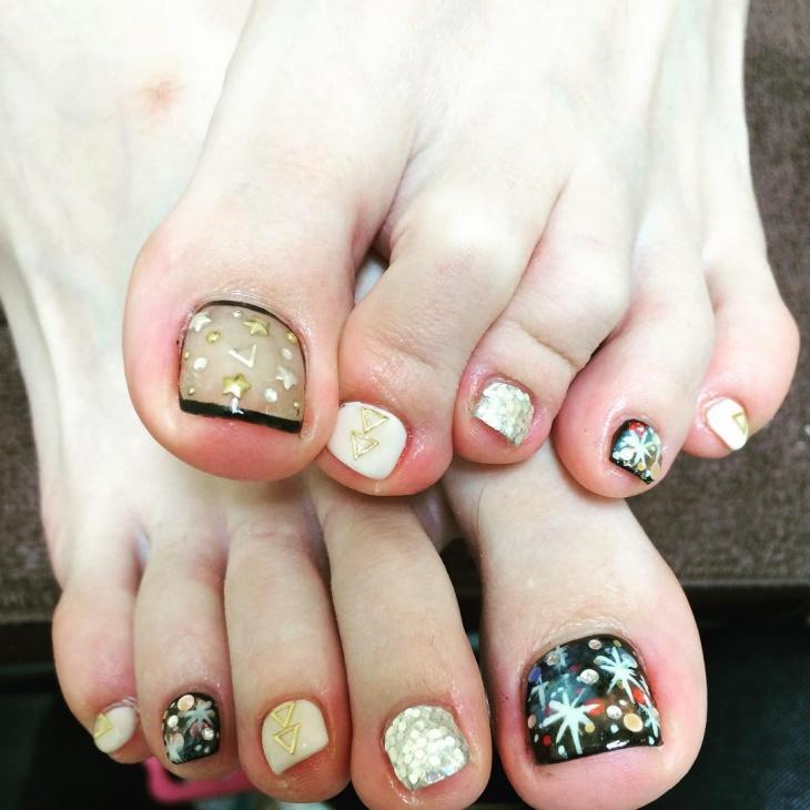 galaxy toe nail art idea