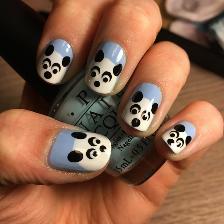 panda face nail design
