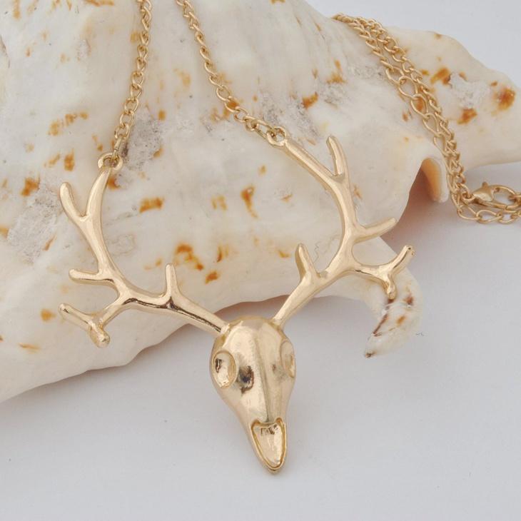 vintage skull necklace