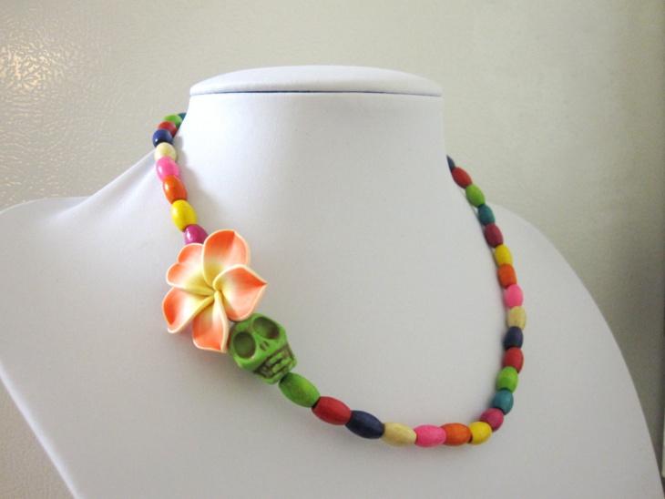 multi color skull necklace