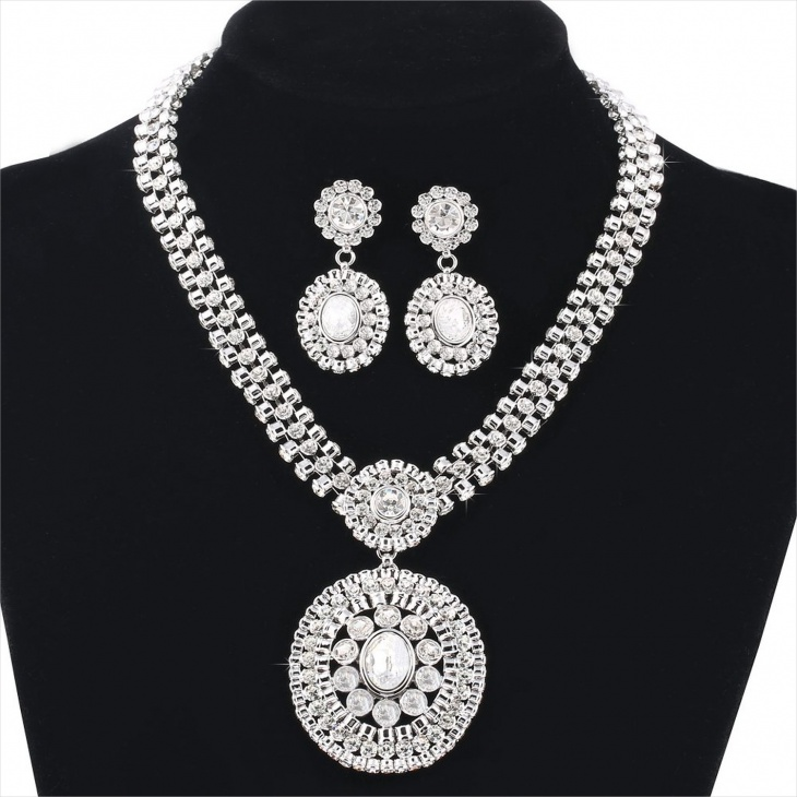 gorgeous rhinestone necklace set