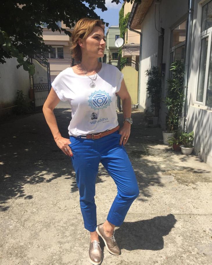 trendy yoga t shirt design