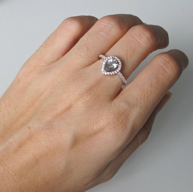 aquamarine pear shaped ring design