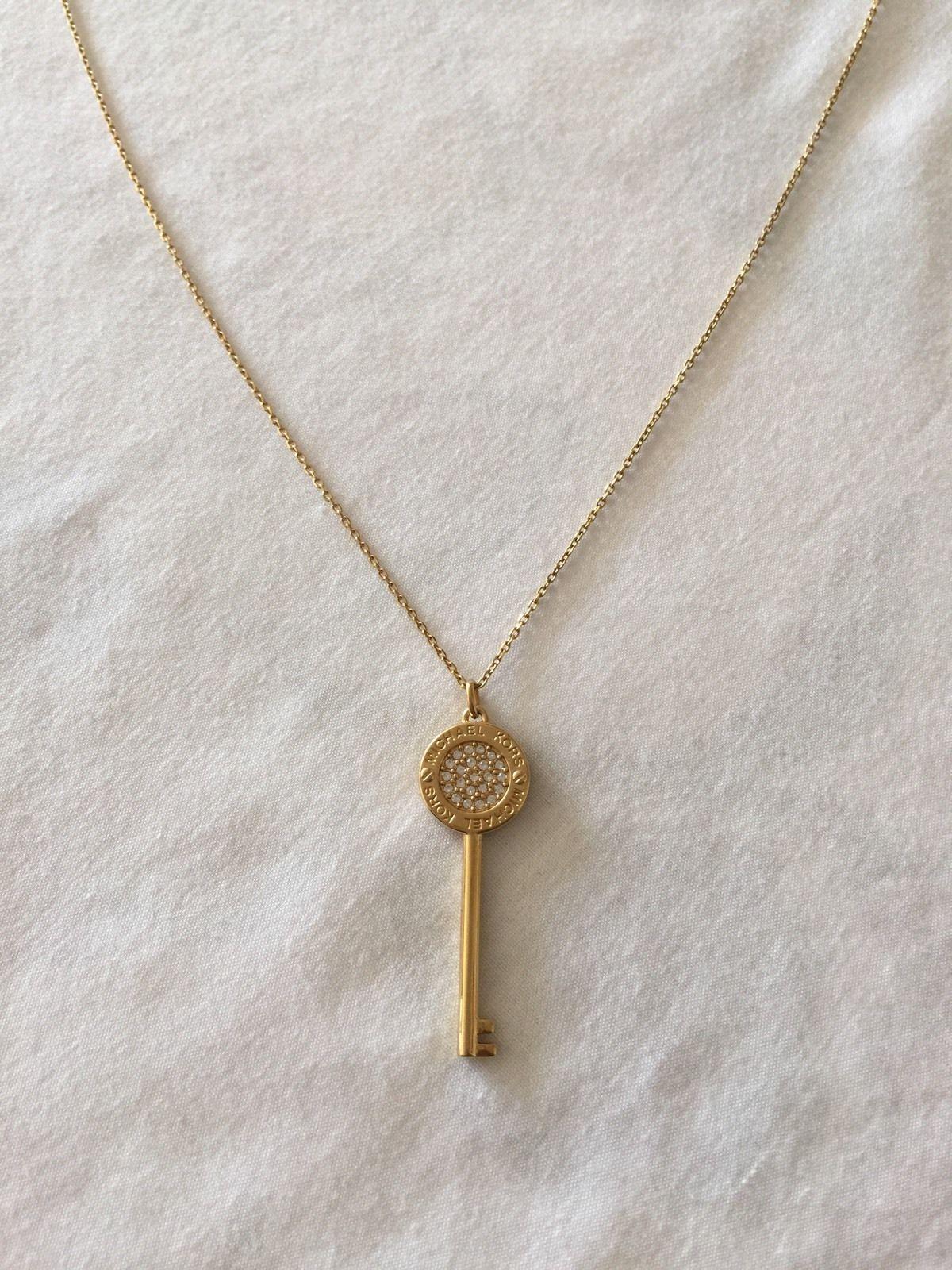 Gold Tone Key Pendant Necklace