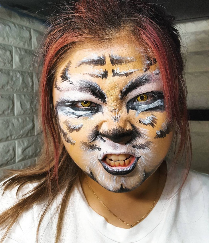 Scary Tiger Face Makeup