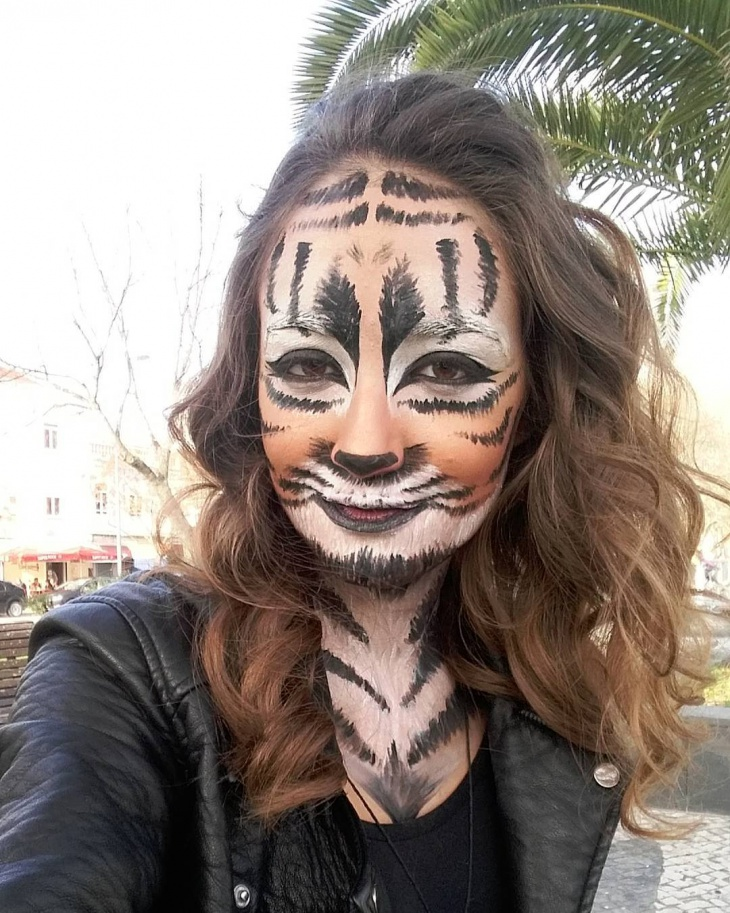 Natural Tiger Face Makeup