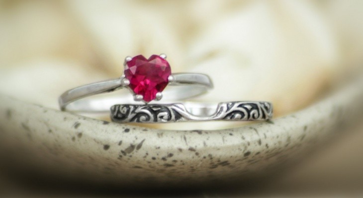 ruby crystal heart couple ring