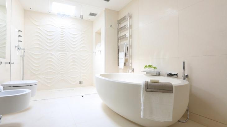 penthouse luxury bathroom