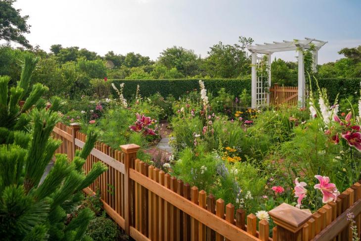 Floral Garden Fence Design