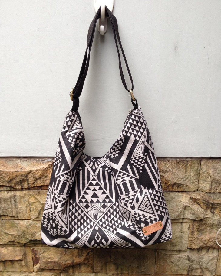 black and white hobo handbag