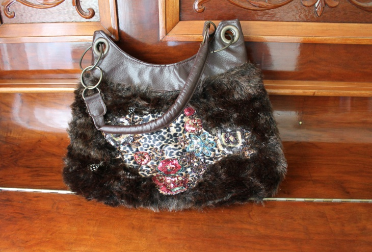faux fur handbag design