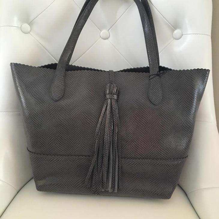 gray shoulder handbag