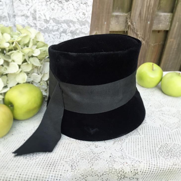 Vintage Musketeer Hat
