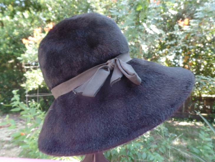 Fur Musketeer Hat