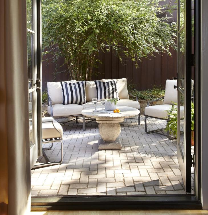 small brick patio design