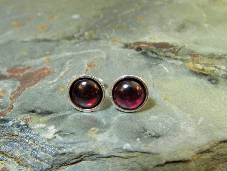 garnet stud earrings design