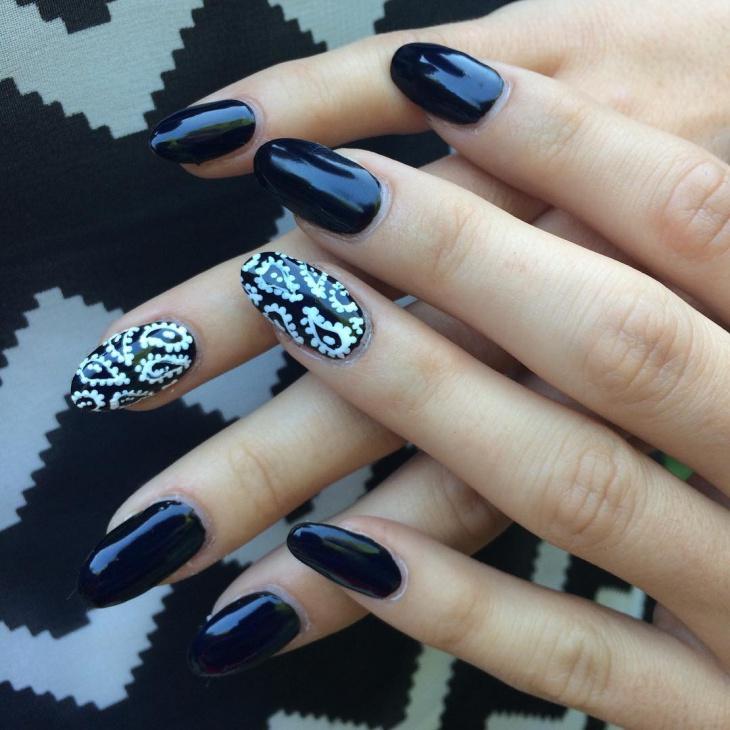 bandana gradient nails