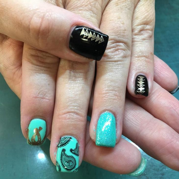 Glitter Bandana Nail Art