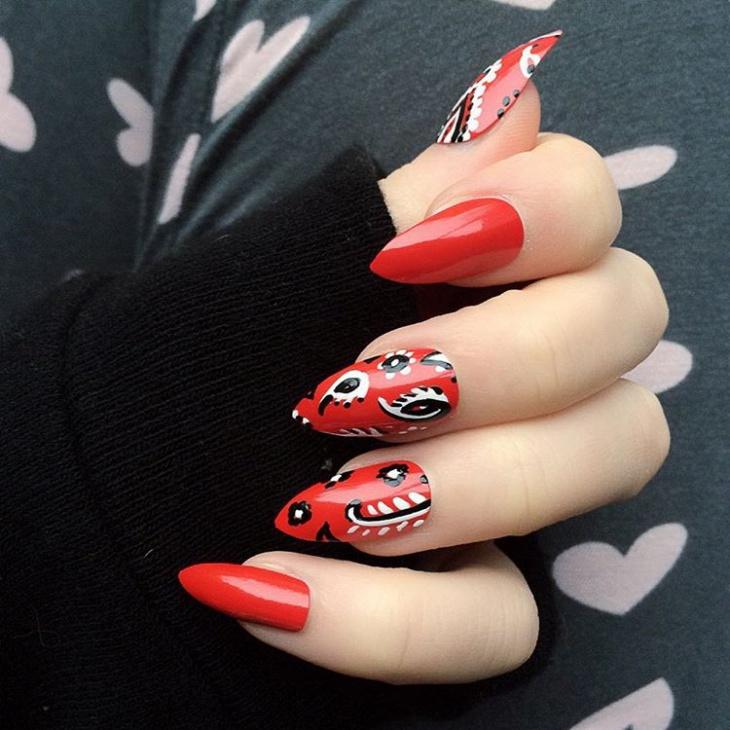 Pointy Bandana Nail Art