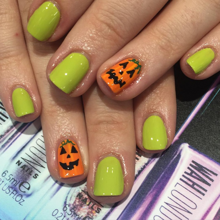 simple pumpkin nail design