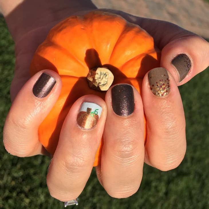 beautiful pumpkin nail design