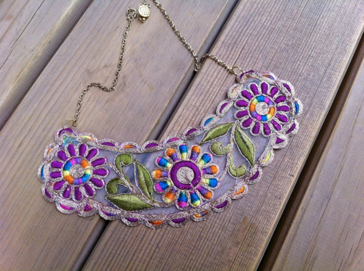 Color Lace Necklace