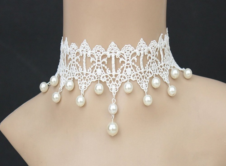White Pure Lace Necklace