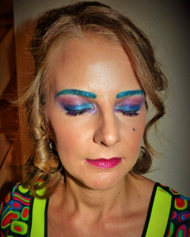disco eye makeup