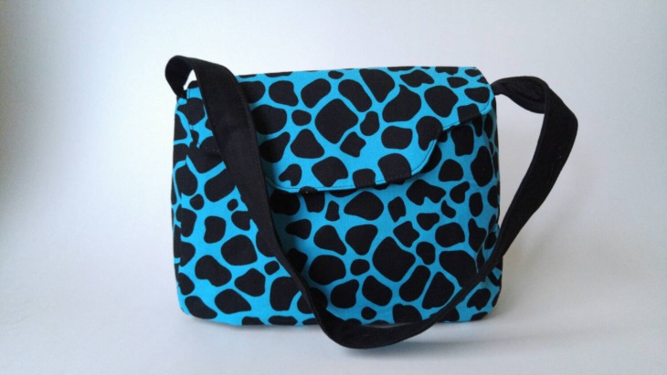 blue animal print handbag
