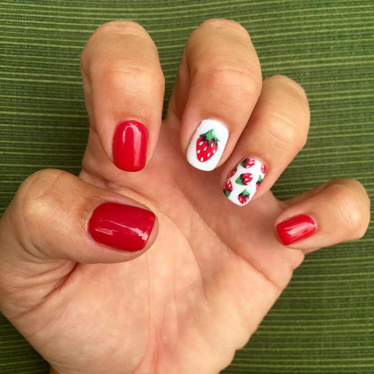 classy straberry nail art