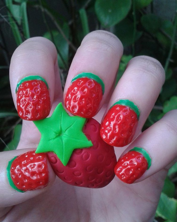 Round Strawberry Nail Art