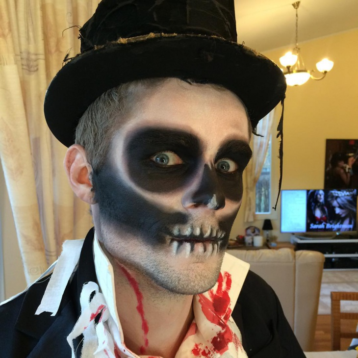 skull dracula makeup