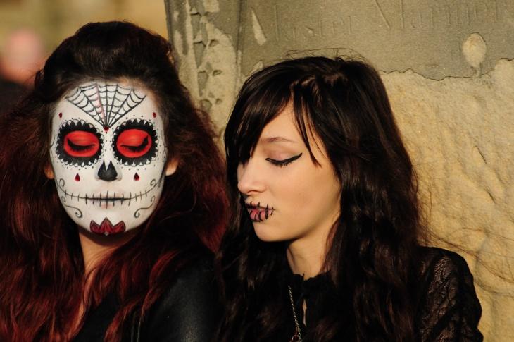 Dracula Gothic Makeup Idea