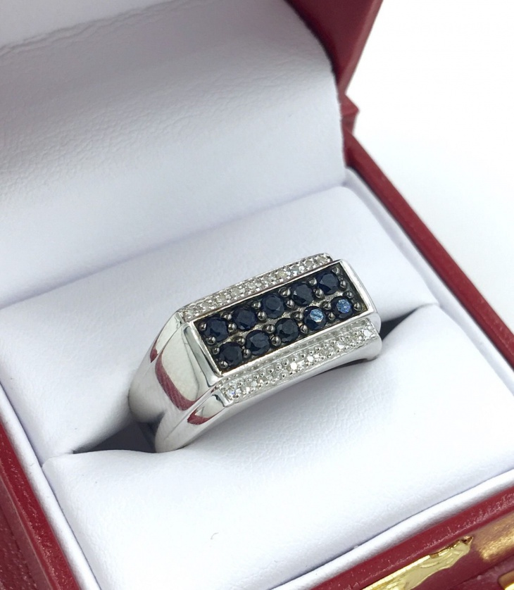 retro style custom ring