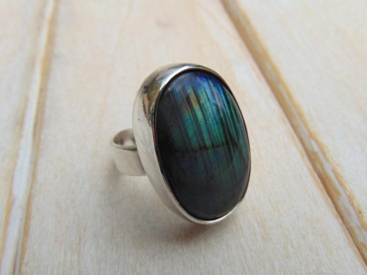custom gemstone ring idea