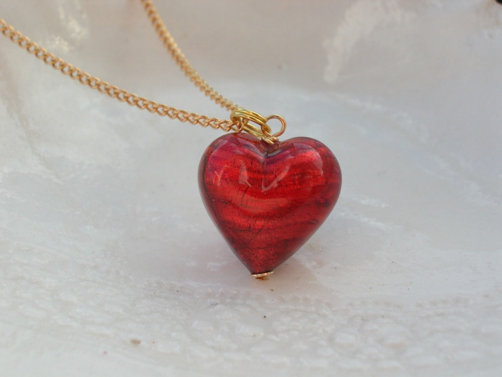 heart shape glass pendant