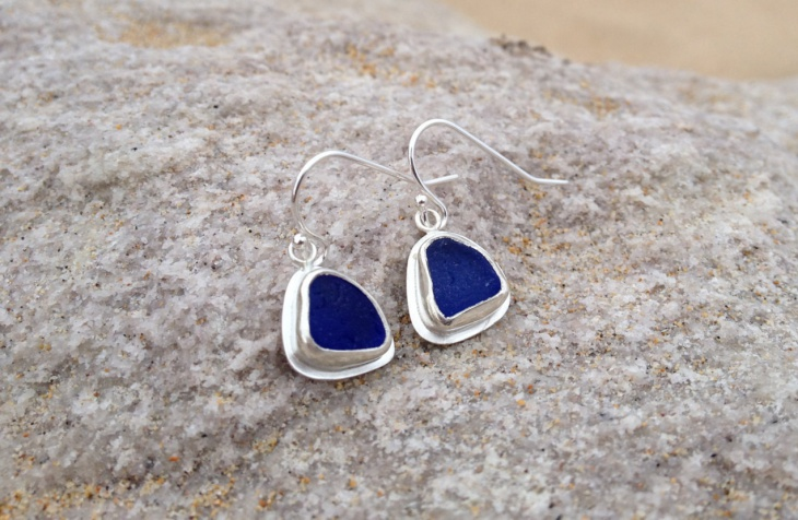 simple glass earrings idea