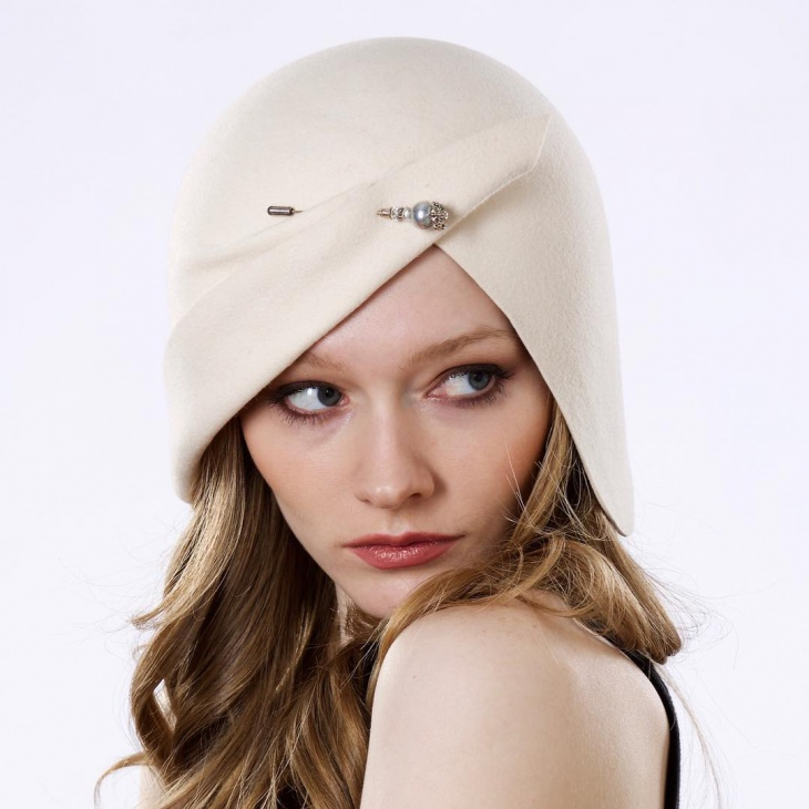 flapper style wedding hat