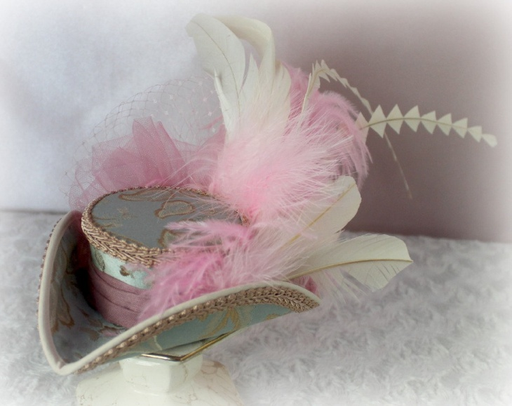 mini tricorn hat design