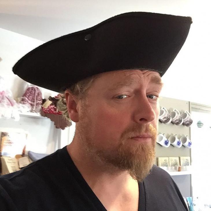 tricorn hat for men