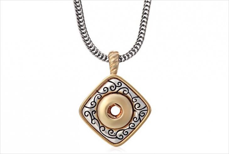 button pendant necklace idea