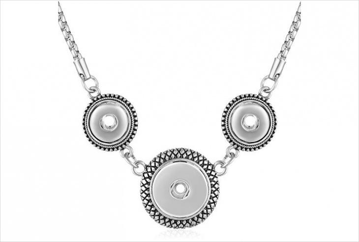unique button necklace design