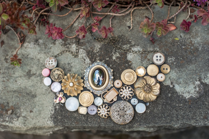 awesome button necklace idea
